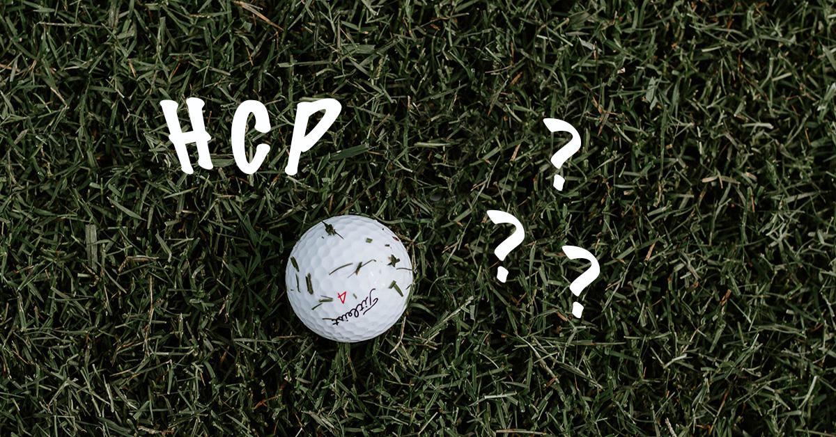 Titleist Golfball im Gras