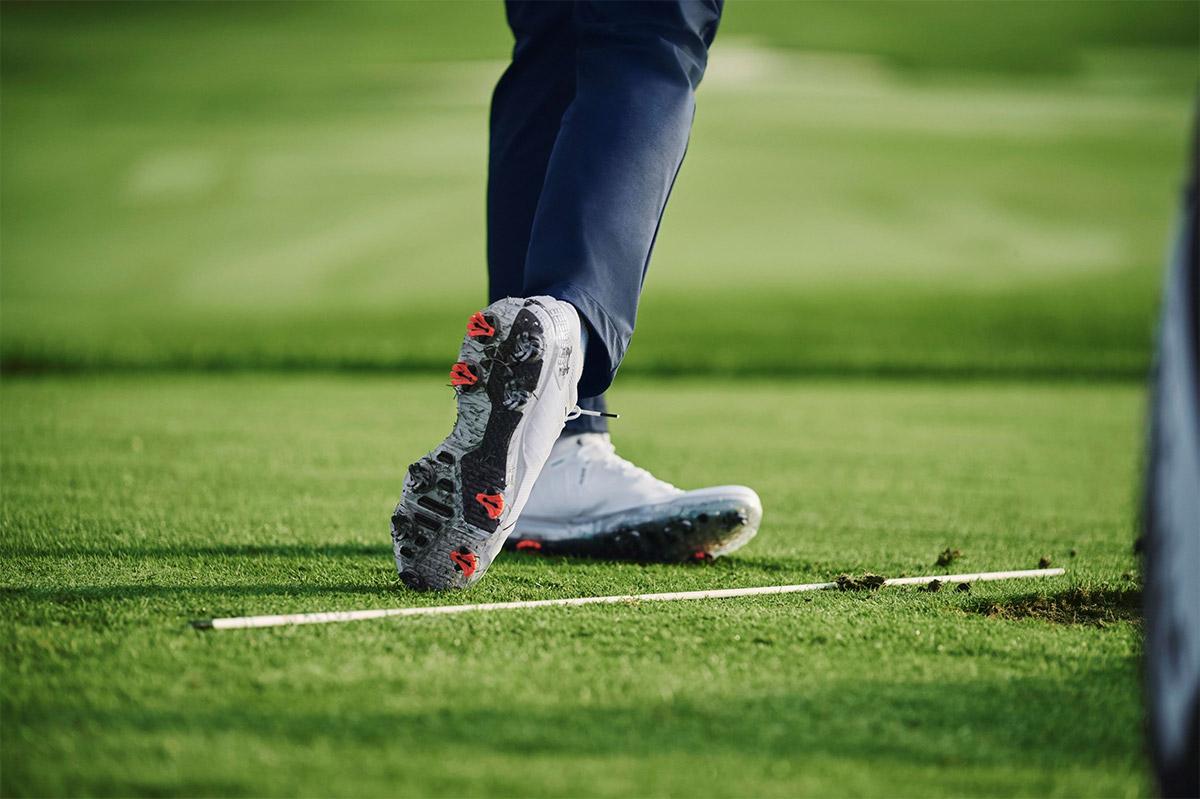 Golfskor på rangen
