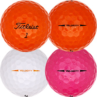 Golfboll av modellen Titleist Velocity Gekleurd