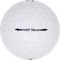 Golfboll av modellen Titleist NXT Tour