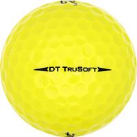 Golfboll av modellen Titleist DT TruSoft Gula