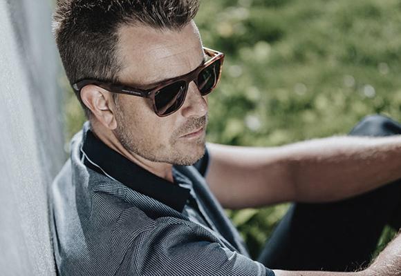 Golfa med solglasögon från Oakley